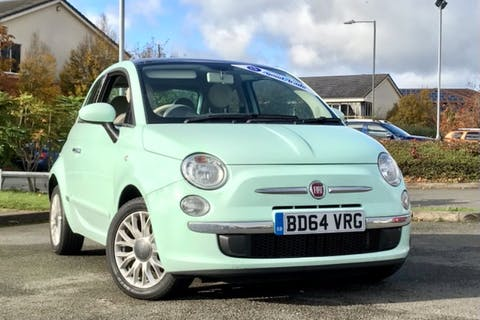Green FIAT 500 Lounge 2014
