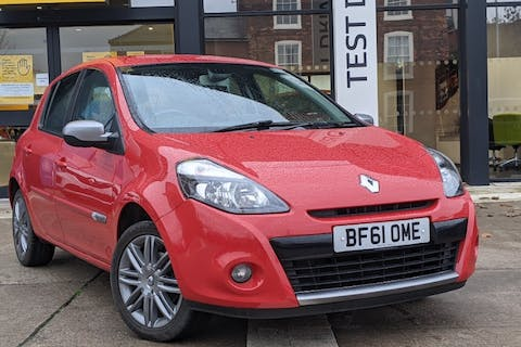 Red Renault Clio Dynamique Tomtom 16V 2011