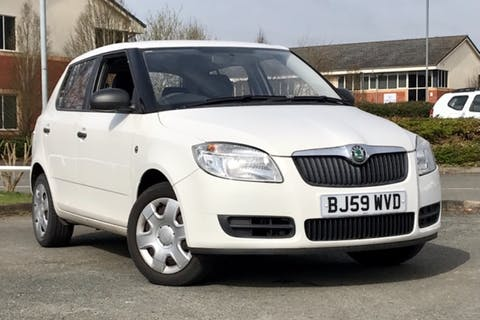 White ŠKODA Fabia Level 1 Htp 2009