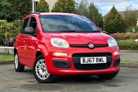 Red FIAT PANDA Easy 2017