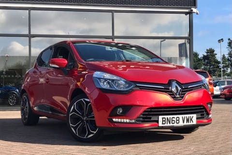 Red Renault Clio Iconic Tce 2018