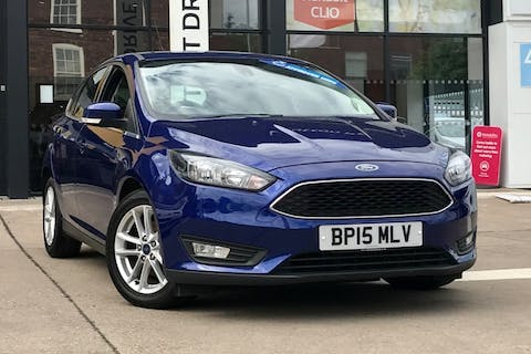 Blue Ford Focus Zetec TDCi 2015