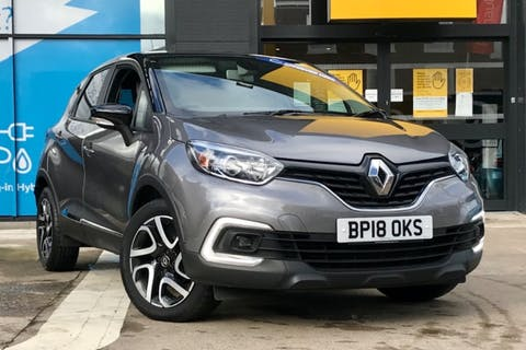Black Renault Captur Iconic Tce 2018