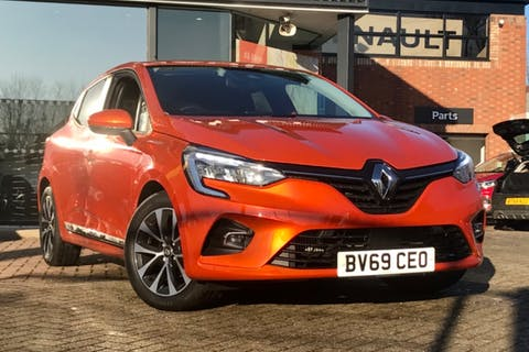 Orange Renault Clio Iconic Tce 2019