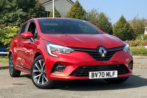 Red Renault Clio Iconic Tce 2020