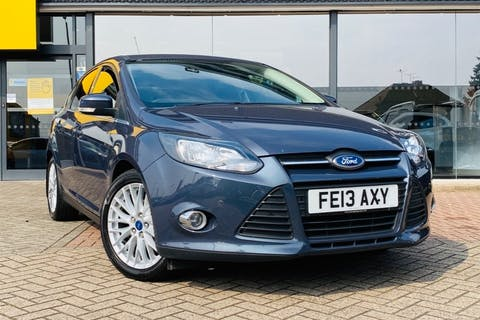 Grey Ford Focus Zetec TDCi 2013