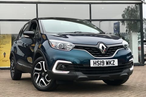 Black Renault Captur Iconic Dci 2019