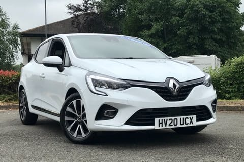 White Renault Clio Iconic Tce 2020