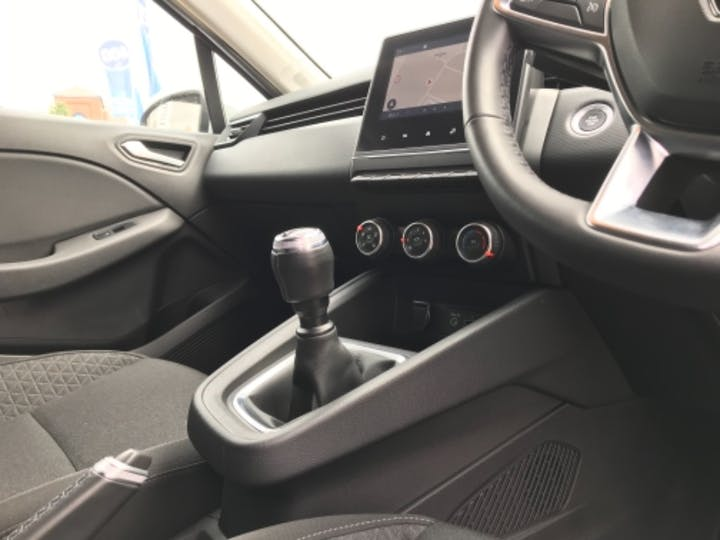 Silver Renault Clio Iconic Tce 2020