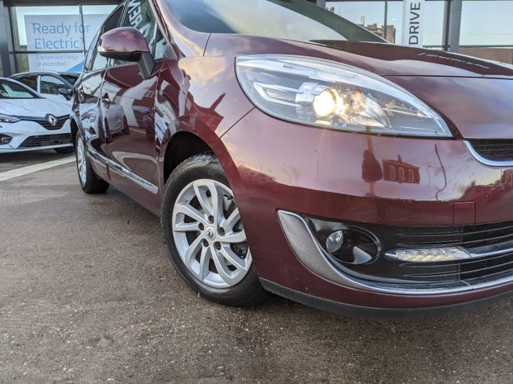 Red Renault Grand Scenic Dynamique Tomtom Energy DCi S/S 2012