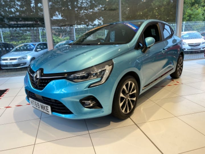 Blue Renault Clio Iconic Tce 2019