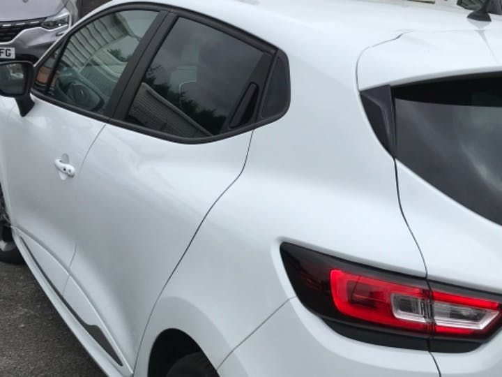 White Renault Clio GT Line Tce 2019