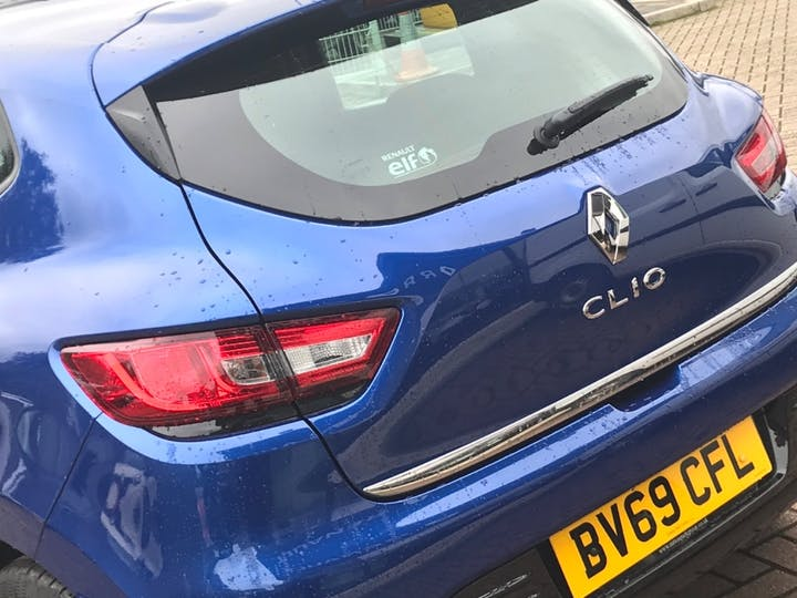 Blue Renault Clio Play Tce 2019