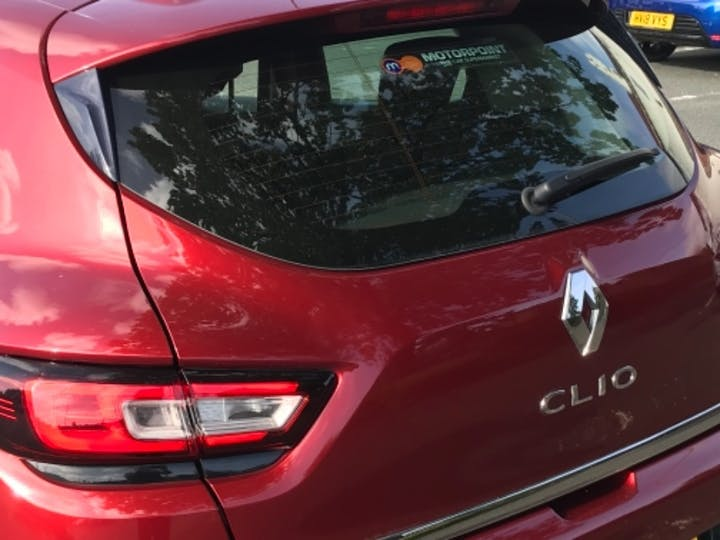 Red Renault Clio Dynamique S Nav Tce 2018