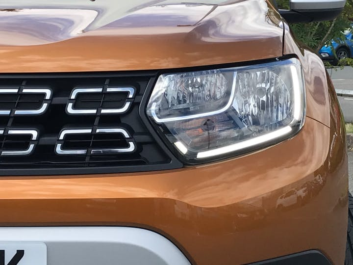 Orange Dacia Duster Comfort Tce 2020