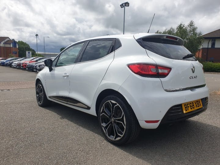 White Renault Clio Iconic Tce 2018