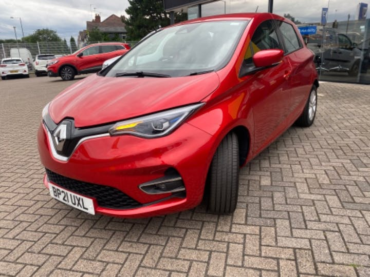 Red Renault Zoe Iconic 2021