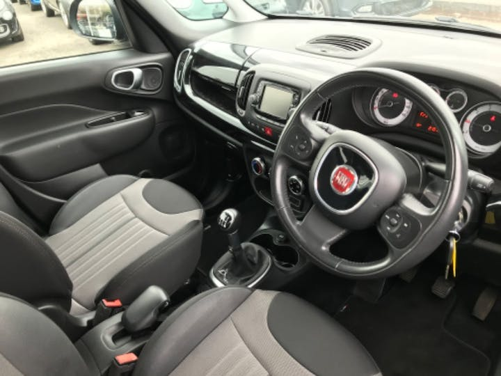 Black FIAT 500l MultiJet Pop Star 2017